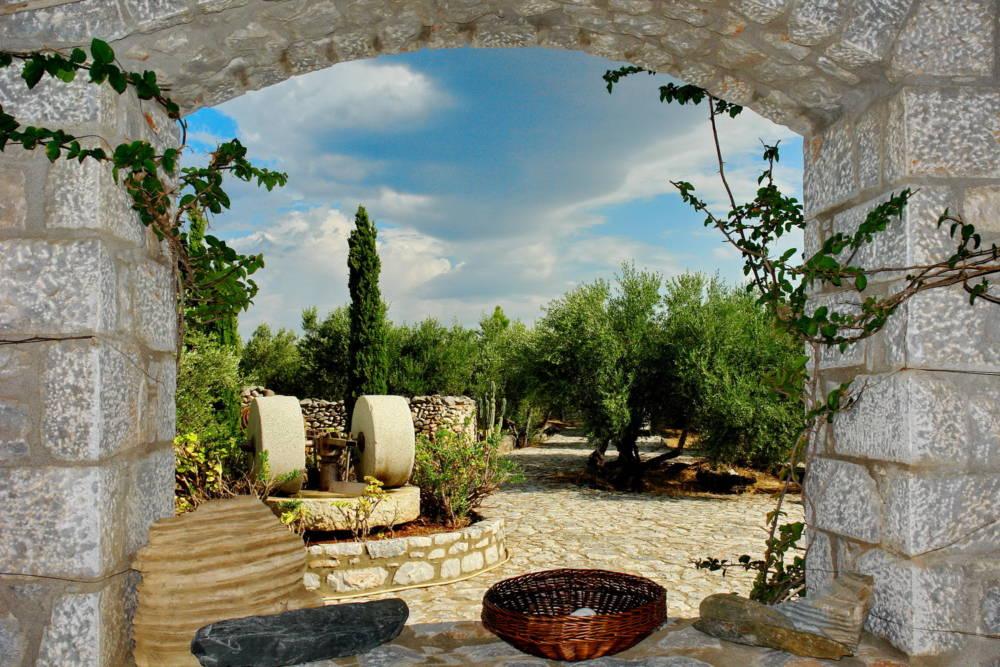 0020R10 DSC06770 R - Mani, Peloponesse'de Dayalı Döşeli Taş Ev