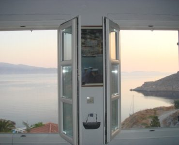 08 370x300 - House with an Amazing View in Hydra Island