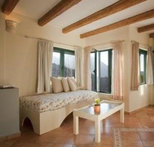 15 315x300 - Girit'de Satılık 3 Kez Ödül Sahibi Butik Otel