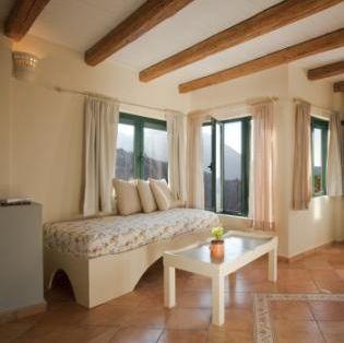 15 - Girit'de Satılık 3 Kez Ödül Sahibi Butik Otel