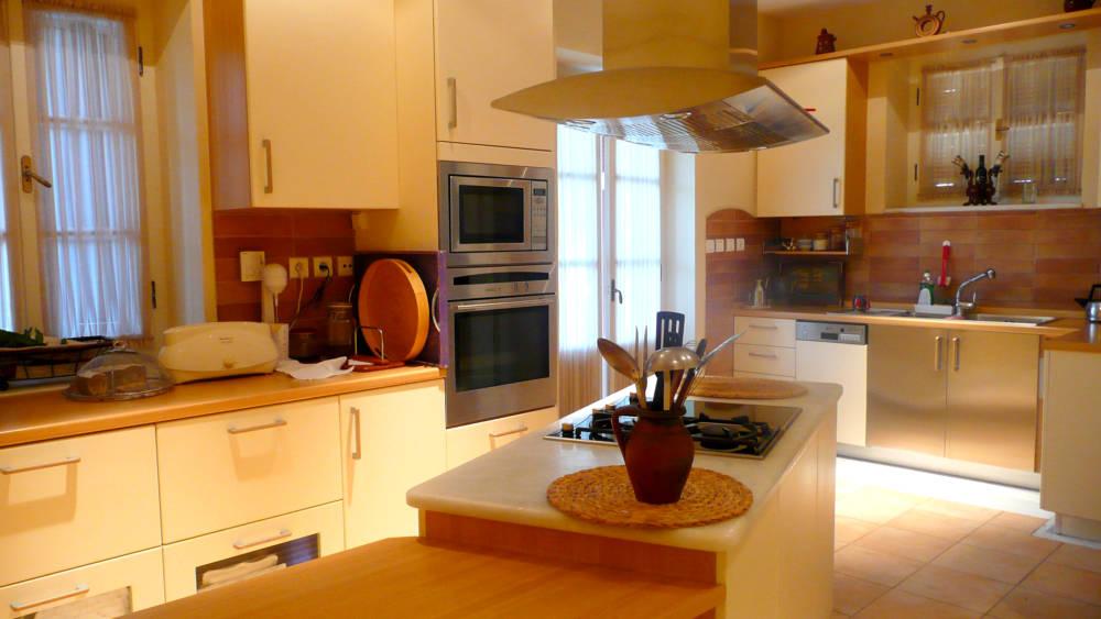 1F kitchen - Amaliada, Peloponesse'de 500 m2 villa + üzüm bağı