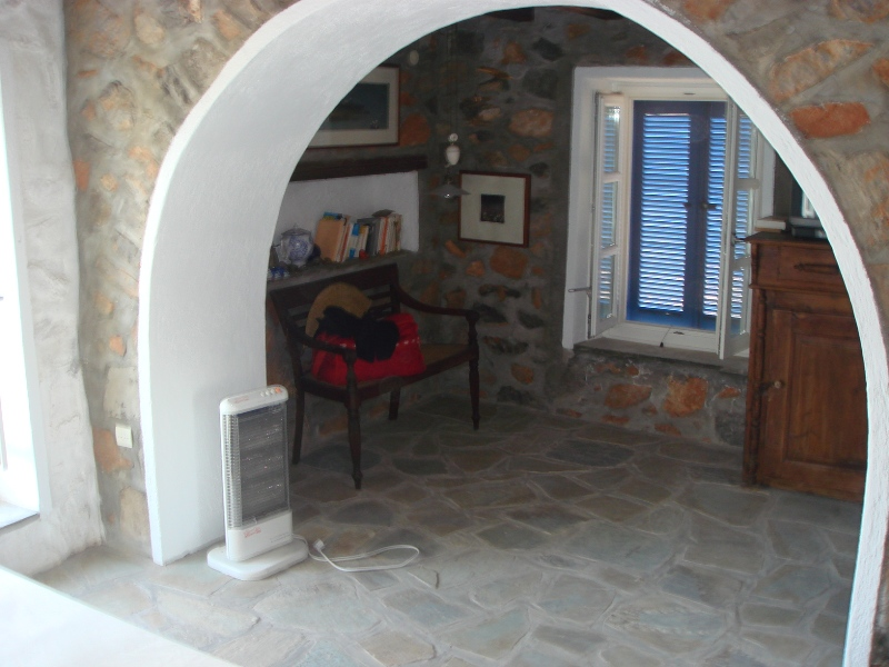 25 - House with an Amazing View in Hydra Island