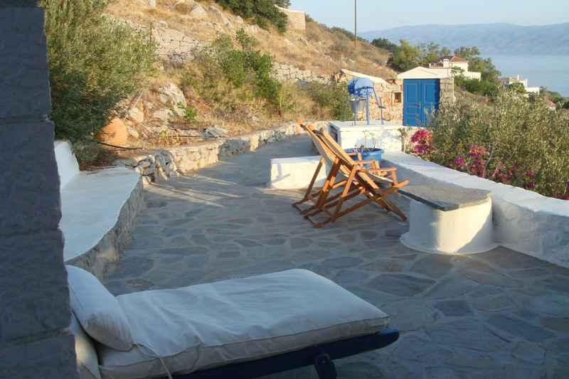 30 - House with an Amazing View in Hydra Island