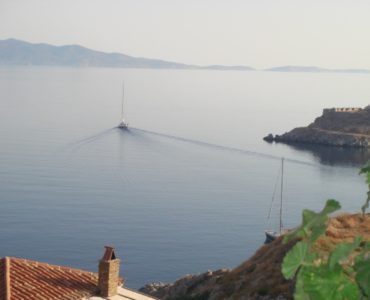 32 370x300 - House with an Amazing View in Hydra Island