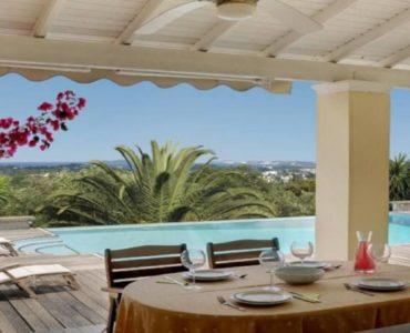 6 1 370x300 - Korfu Gouvia'da deniz manzaralı nefis villa