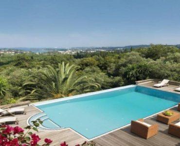 7 1 370x300 - Korfu Gouvia'da deniz manzaralı nefis villa