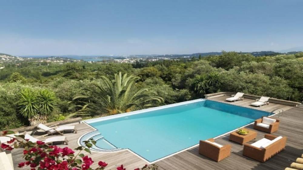 7 1 - Korfu Gouvia'da deniz manzaralı nefis villa