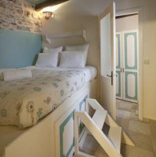 8 1 - Girit'de Satılık 3 Kez Ödül Sahibi Butik Otel