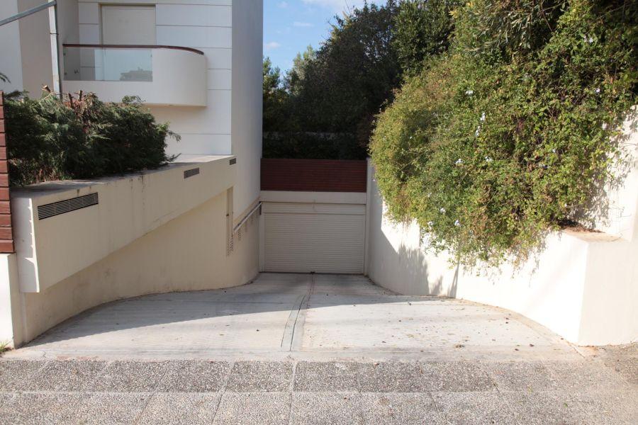 AV1C 67324 1 - Elliniko Building, Atina