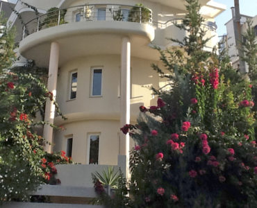 Crop IMG 0058 370x300 - Glyfada, Atina'da Satılık Bina