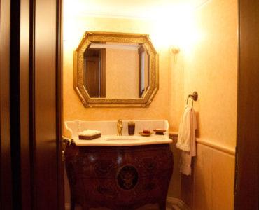 DSC 6797 370x300 - A Luxury House In Elefsina
