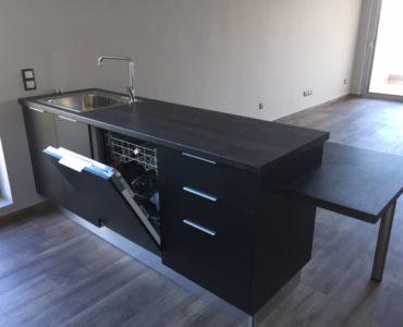 IMG 3042 370x300 - Varkiza, Atina'da Modern Daire