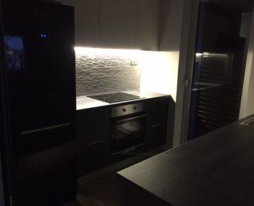 IMG 3059 370x300 - Varkiza, Atina'da Modern Daire