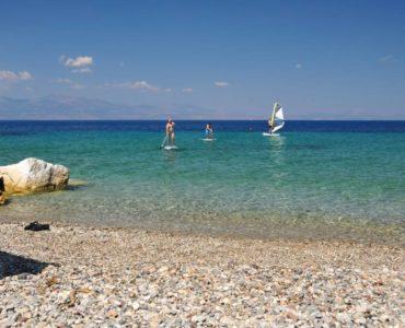 XYLOKASTRO 5 370x300 - Xylokastro'da Deniz ve Dağ Manzaralı Villa