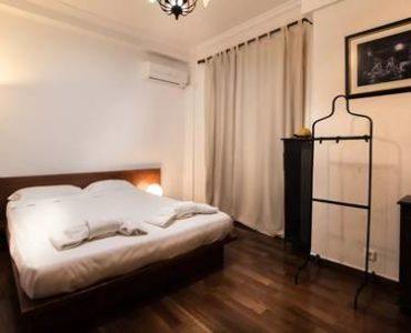 image008 370x300 - Syntagma'da Airbnb Kiralama için Apartman Dairesi